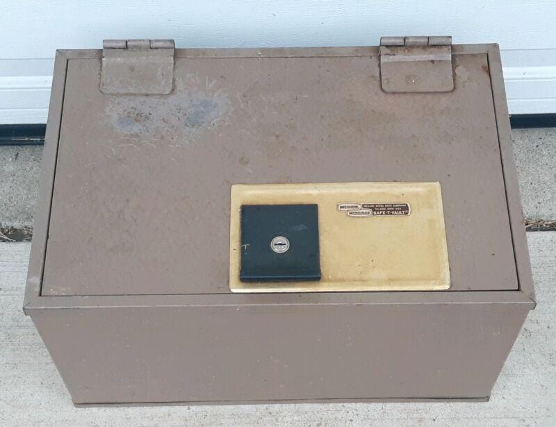 Vintage Meilink Hercules Locking Safe-T-Vault Safe Toledo Ohio USA With Key OLD!