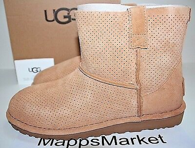 NIB Authentic UGG AUSTRALIA Women's Classic Unlined Perforated Boots Tawny Sz 6