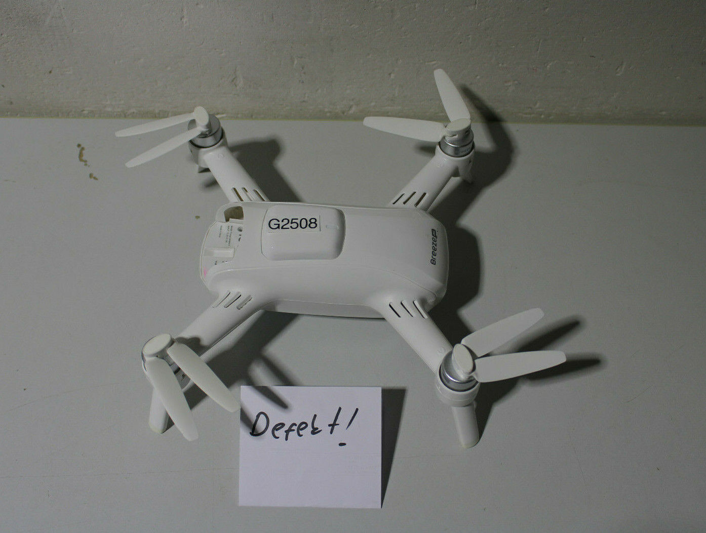Yuneec Breeze 4K Drohne weiß *defekt* (G2508-R80)