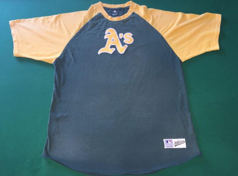 Vintage Style Oakland A's T-Shirt, Men Size Large