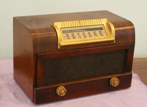 Bendix Model 112 AM 5 Tube Radio Wood (1948)