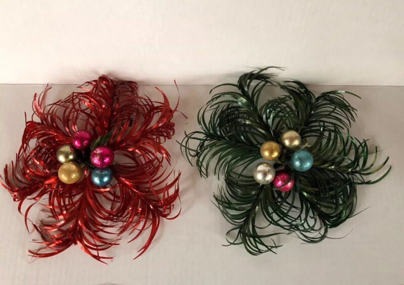 2 Vintage Christmas ALUMINUM TINSEL FOIL WReath. Red & Green.