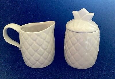VINTAGE MCCOY POTTERY PINEAPPLE SHAPED CREAMER AND SUGAR BOWL WITH LID