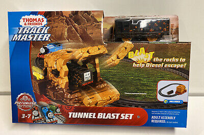 Thomas & Friends Trackmaster Motorized Tunnel Blast Set , New