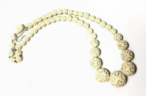 Deeply Carved Art Deco Cream-Colored Celluloid Beads Choker Necklace