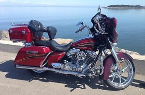FLHTCUSE  Electra Glide Ultra Classic CVO Scream & Eagle 2005