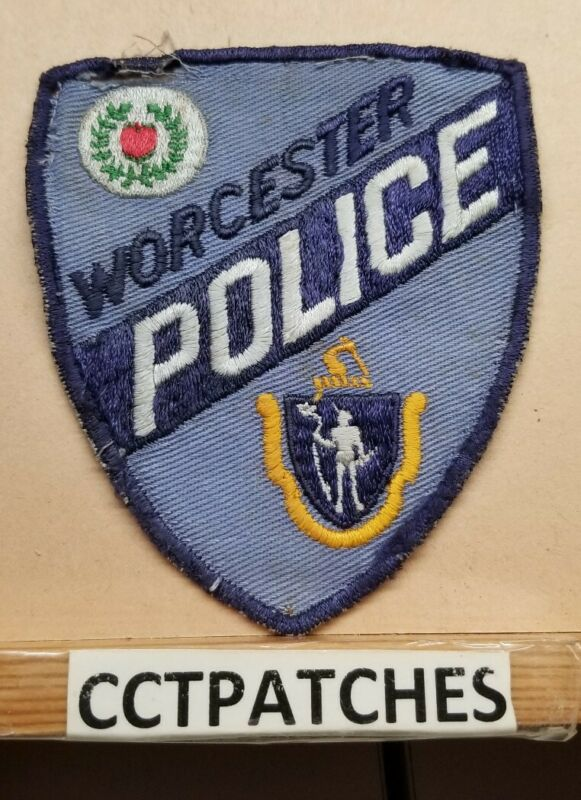 WORCESTER, MASSACHUSETTS POLICE SHOULDER PATCH MA
