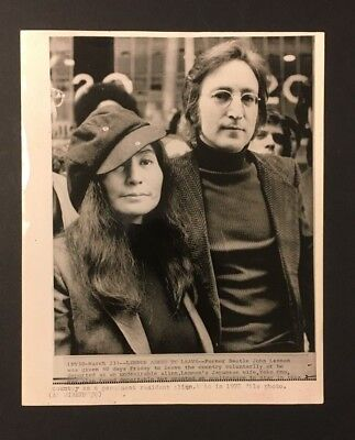 1972 John Lennon Yoko Ono Press Photo Being Asked To Leave Country The Beatles