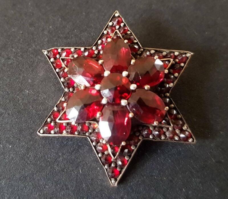 ANTIQUE VICTORIAN BOHEMIAN GARNET STAR BROOCH