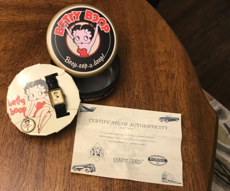 Vintage 1994 Fossil Betty Boop Watch and Pin in Tin Box Never Worn!