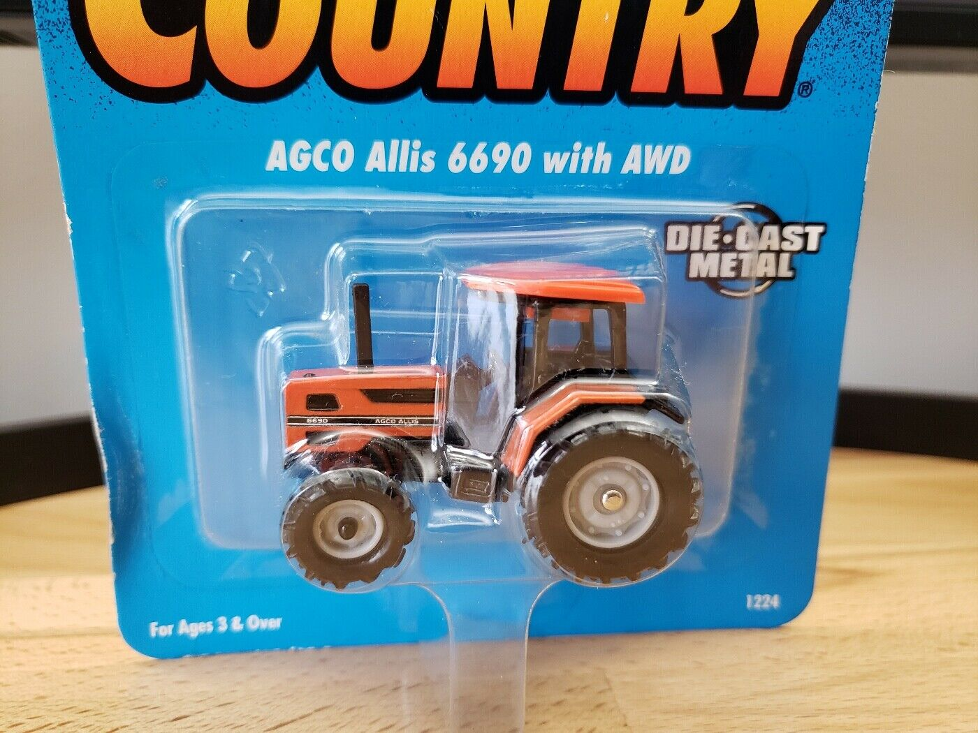 Ertl Farm Country AGCO Allis 6690 with AWD Tractor Diecast 1:64