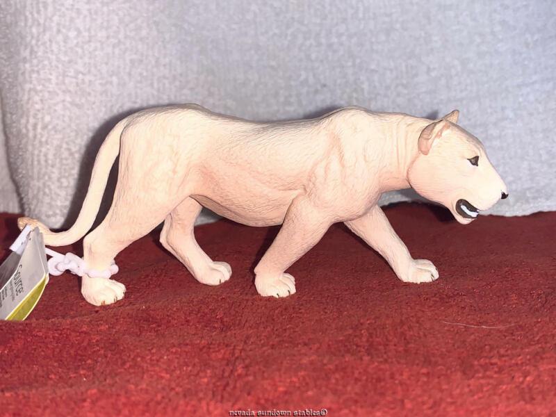 Mogo Collection 2020 White Lioness