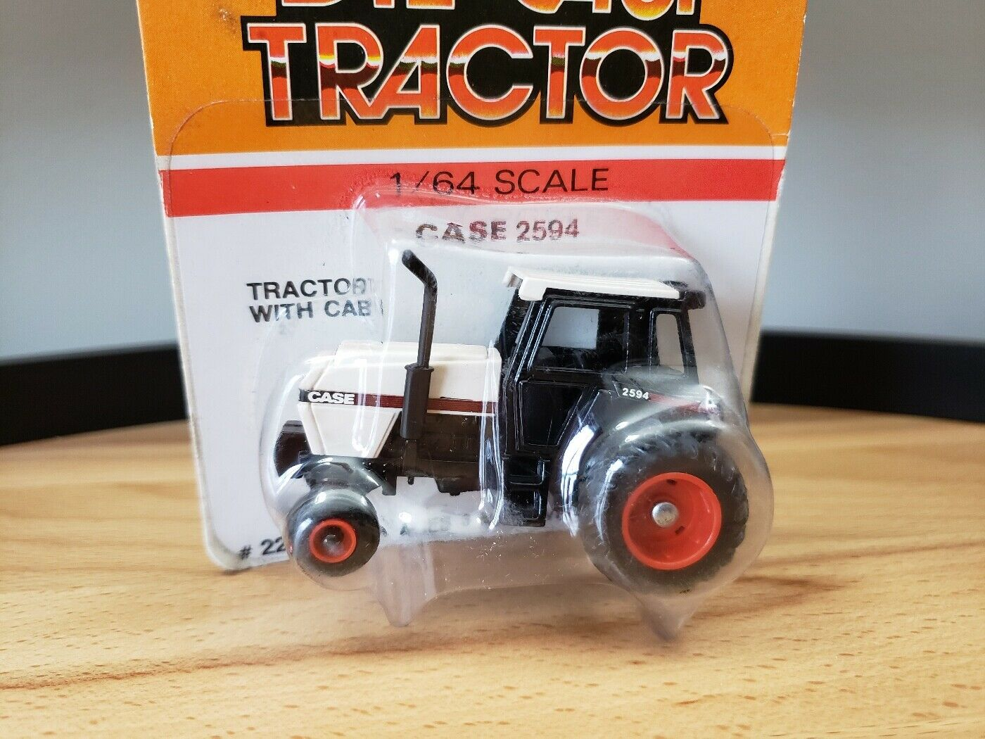 Ertl Case 2594 Tractor with Cab Diecast 1:64