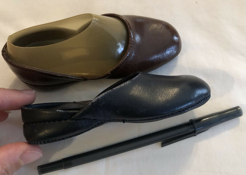 "Vintage Salesman Samples Mini Leather Shoes, 5""  1940's"