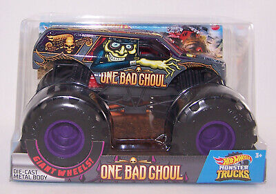 2020 Hot Wheels 1:24 ONE BAD GHOUL Diecast Monster Truck - NEW