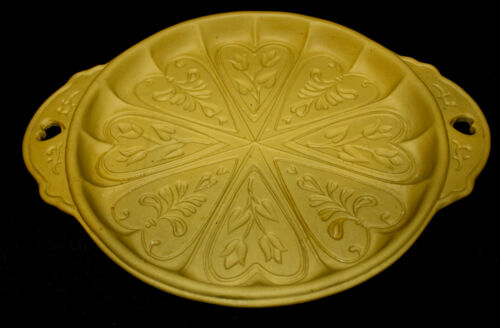 Brown Bag Round Shortbread Mold Hearts and Flowers 1988