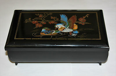 Lacquer Box, Jewellery Box with Music Box u. Asian Painting