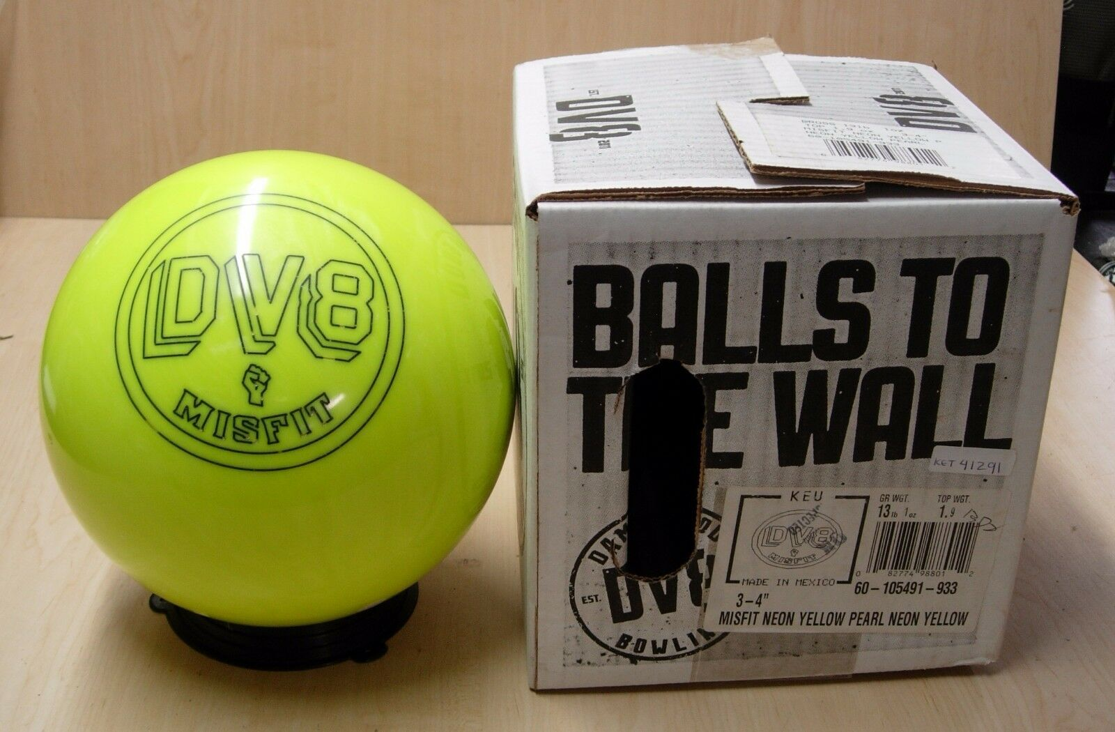 = 13 1 Oz Tw 1.9, Pin 3-4 Dv8 Misfit Neon Yellow Bowling Ball