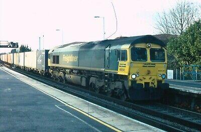 ORIGINAL RAILWAY TRAIN COLOUR SLIDE FREIGHTLINER CLASS 66 BASINGSTOKE 66541 CONT