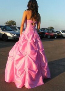 Pink size 0-4 prom dress, perfect condition !