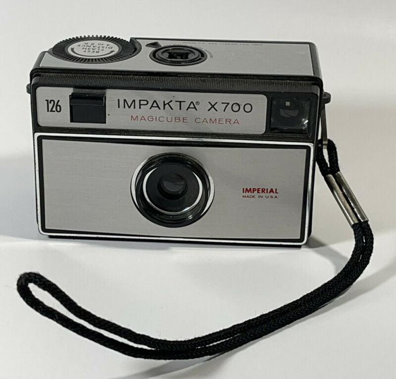 IMPAKTA X700 Magicube Camera IMPERIAL Made In USA *AS IS* Vintage Camera