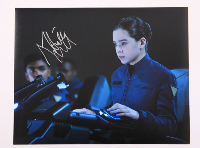 GFA Ender's Game Movie * HAILEE STEINFELD * Signed 11x14 Photo H1 PROOF COA