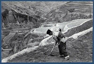 original Marc Riboud Magnum large vintage photo country grower Yunnan China 1965