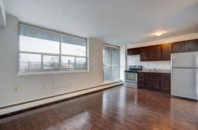 Jr. 1 Bedroom Available Now! Newly renovated, call today ...