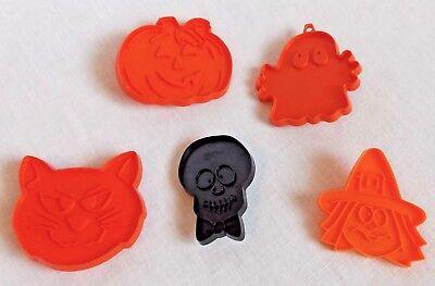 Halloween Cookie Cutters Wilton (5 Hallmark Wilton Halloween Cookie Cutters Witch Cat Skull Plastic)