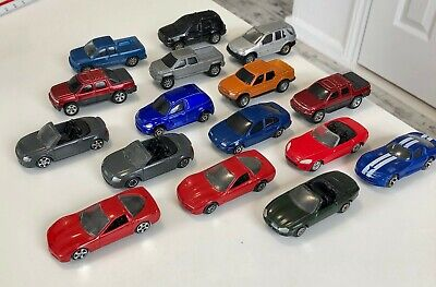 Lot of 16 Maisto Loose Diecast Toy Cars  Maisto Toy Cars