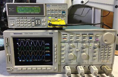 Tektronix Tds754d Oscilloscope 500mhz 2gss 13 1f Hd 2m 2f 2c Jit Eye New Crt