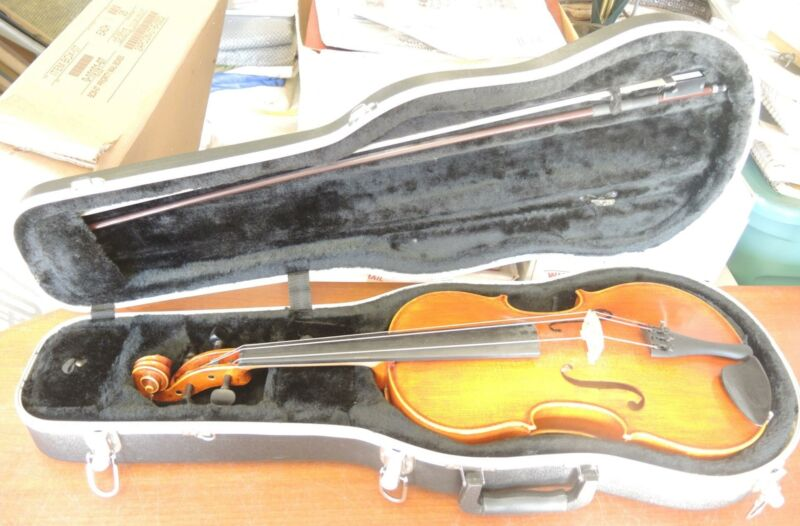 Frederick A Strobel MA 85- 15.5 Viola With Bow and Hard Case