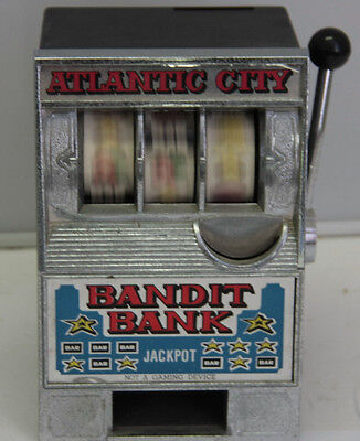 Bandit Bank Atlantic City One Arm Plastic Novelty Toy   Doesnt Stop Payout C25j