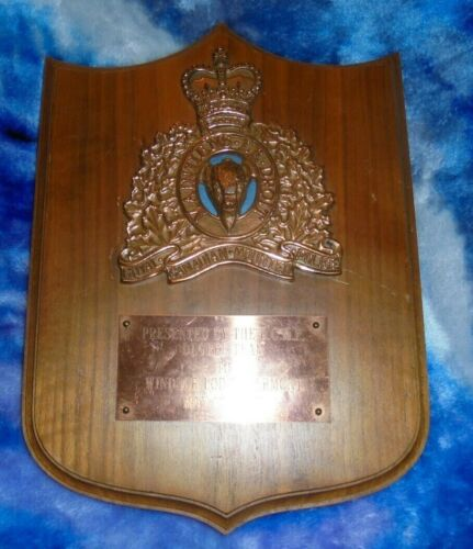 RARE Royal Canadian Mounted Police (RCMP) Plaque TO WINDSOR LODGE VERMONT 1980