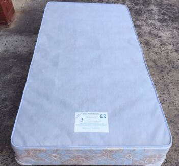 Single sealy posturepedic ensemble bed base - great condition