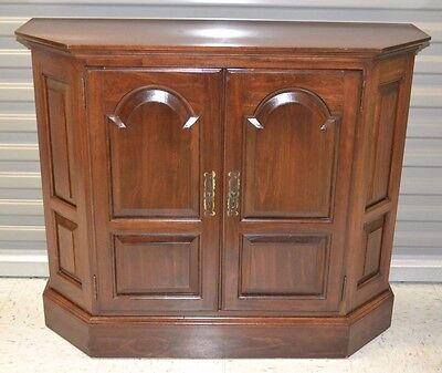 Ethan Allen Georgian Court Five Sided Calm Cabinet Storage Cabinet #11-9001