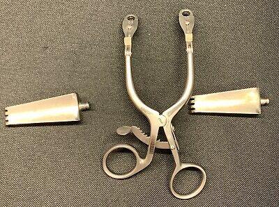 Codman 50-1356 Cervical Retractor Small 3-34 Opening Two Blades Codman 4q92