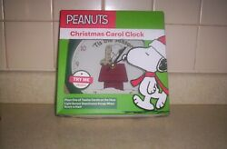 NEW NIB * Peanuts Christmas Carol Musical Clock * Snoopy Dog House & Stocking