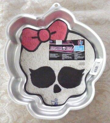 WILTON MONSTER HIGH Skull Head Metal CAKE PAN 2105-6677 Halloween Mold](Monster High Cake Pans)