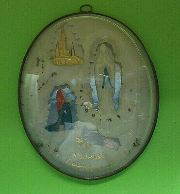 1924/3       OLD OVAL GLASS FRAME OUR LADY OF LOURDES