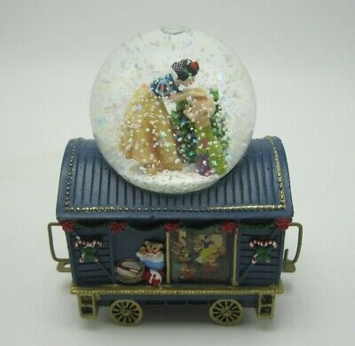 Disney Wonderland Express Holiday's First Kiss Snow White Christmas Train Globe