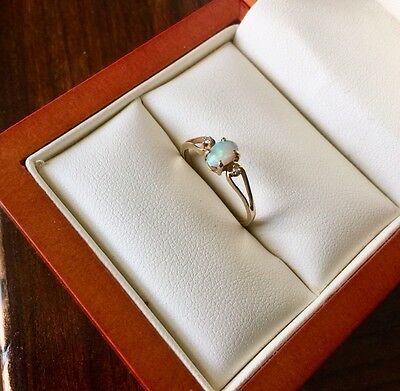 Vintage Natural OPAL & DIAMOND Ring 14K PLUMB GOLD RING Size 5.5