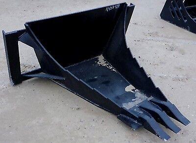 MTL Long Bottom HD Quick attach Skid steer Stump / Root tooth bucket
