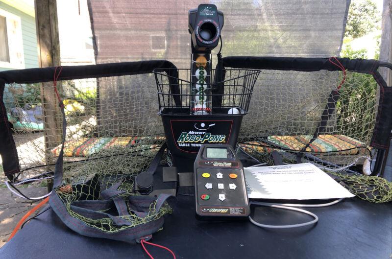 NEWGY ROBO PONG 1050 Table Tennis Automatic Ping Pong Shooter Machine Robot