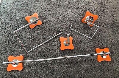 Accesorios baño cromo mod. Agathaa naranja 4 piezas