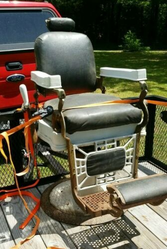 Rare Vintage/Retro Berninghaus Hercules Barber Shop Chair