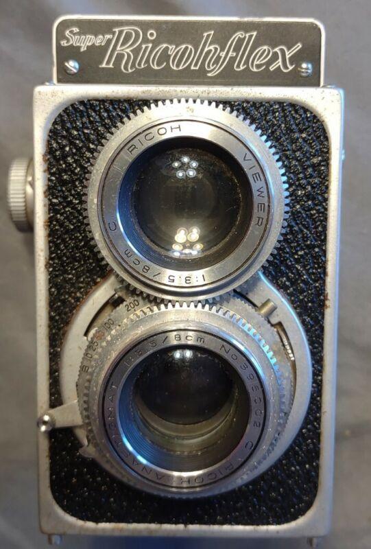 Super Ricohflex Vintage Camera with Camera Bag and tripod - see discription.