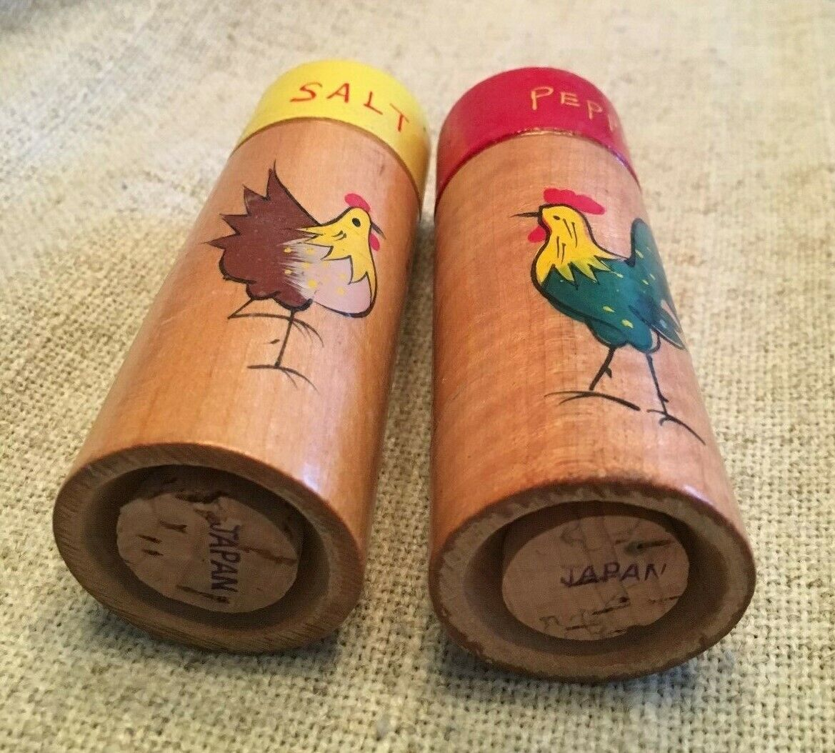 "4""  pillar S&P shakers, yellow and red, with painted chicken and rooster"