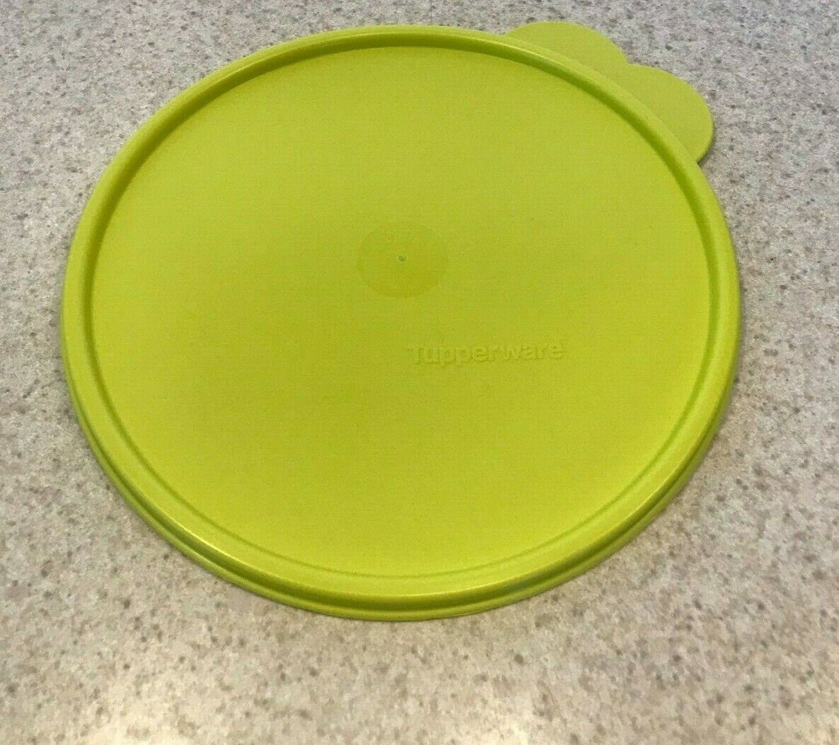 Tupperware Seal Replacement Lid Butterfly-Tabbed Salsa Verde