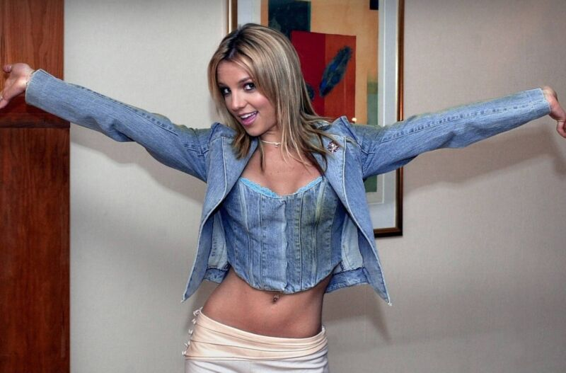 Britney Spears Unsigned 8x12 Photo (122)